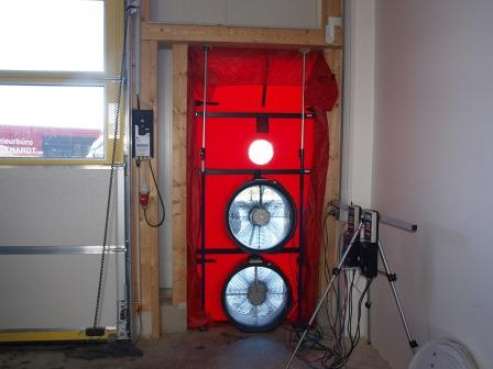 Referenz_Blower-Door-Test_Halle_Handwerksbetrieb_Dillingen.jpg