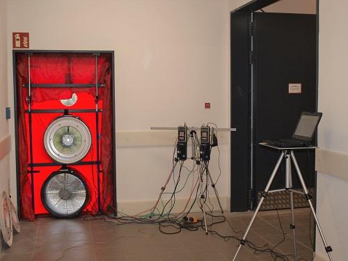 Referenz_Verbrauchermarkt_Weissenstadt_Messaufbau_Blower-Door-Test.jpg